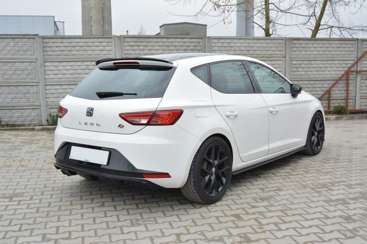 foto de REAR VALANCE SEAT LEON III FR Gloss Black Our Offer Seat Leon FR Mk3 Maxton Design