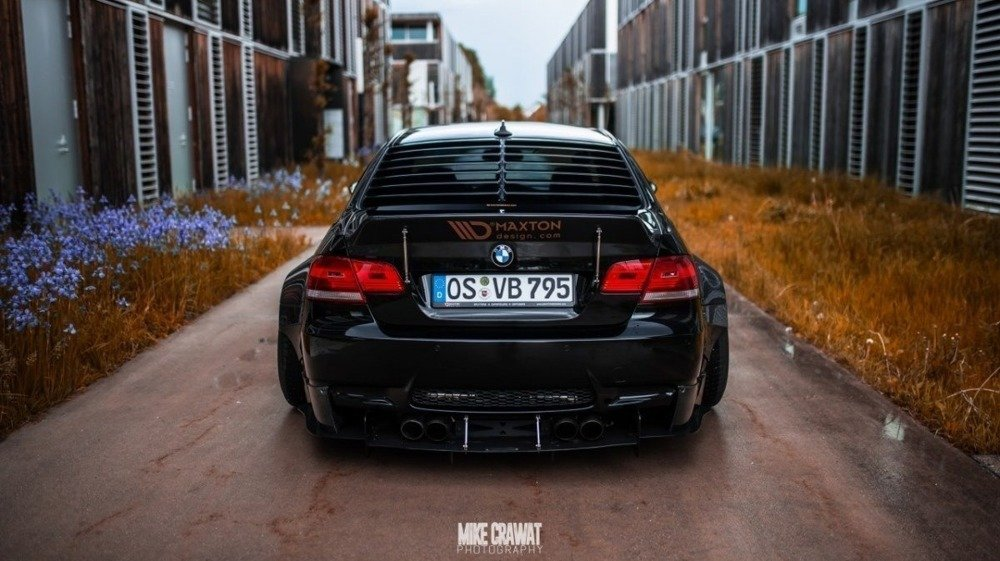 BMW M3 E92 REAR WINDOW LOUVER