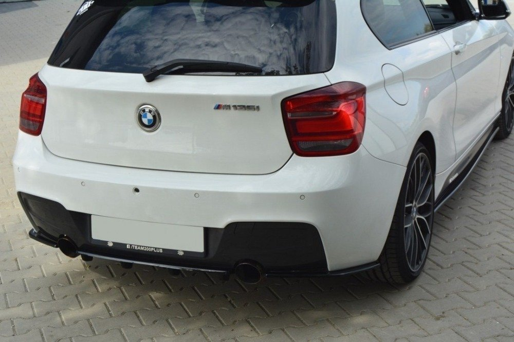 CENTRAL REAR SPLITTER BMW 1 F20/F21 M-Power (with vertical bars)